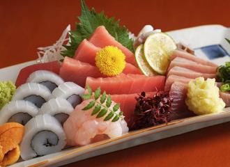 FireShot Capture 13 - 恵比寿で鮮魚で宴会するなら。お土産寿司も絶品 - http___www.totoya-ebisu.com_menu.html#party